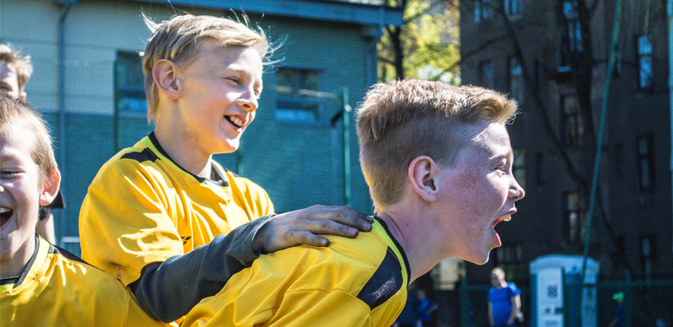 Skolu futbols