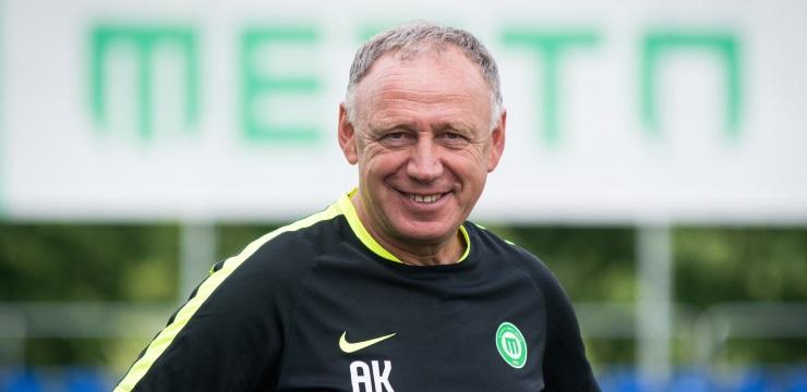 Sveicam treneri Andreju Karpovu apaļajos svētkos!