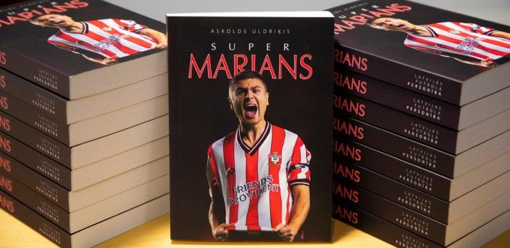 Pie lasītājiem nonāk Mariana Pahara autobiogrāfija