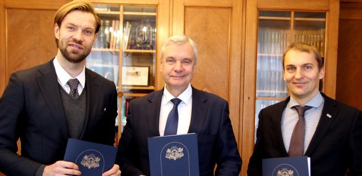 LFF, IZM un Daugavas stadions paraksta nodomu protokolu