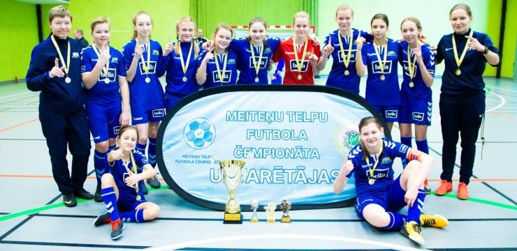 Meiteņu telpu futbola čempionāta U-14 titulu iegūst Rīgas Futbola skola