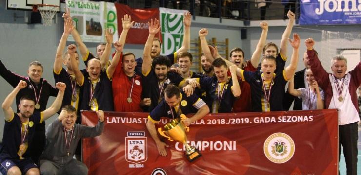 LDz Cargo/DFA telpu futbolisti iegūst Latvijas kausu