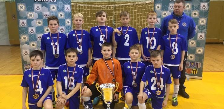 Noslēgušies Latvijas finālturnīri futbolā telpās zēniem