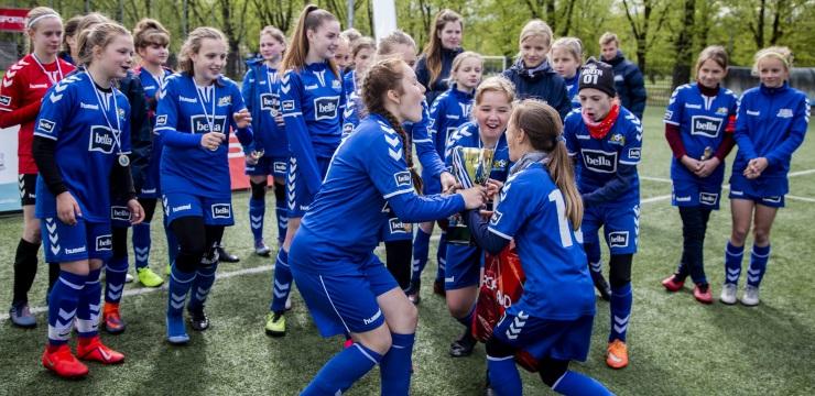 Aizvadīts Daugavgrīvas kauss meiteņu komandām