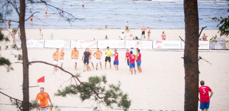 Sestdien startēs Jūrmalas kauss pludmales futbolā