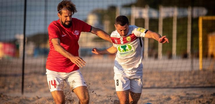 Pludmales futbola čempionāta vadībā izvirzās FK Zep/Forevers