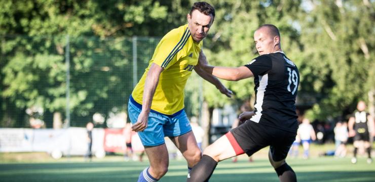 Saasinās cīņa par Rīgas minifutbola čempionāta medaļām