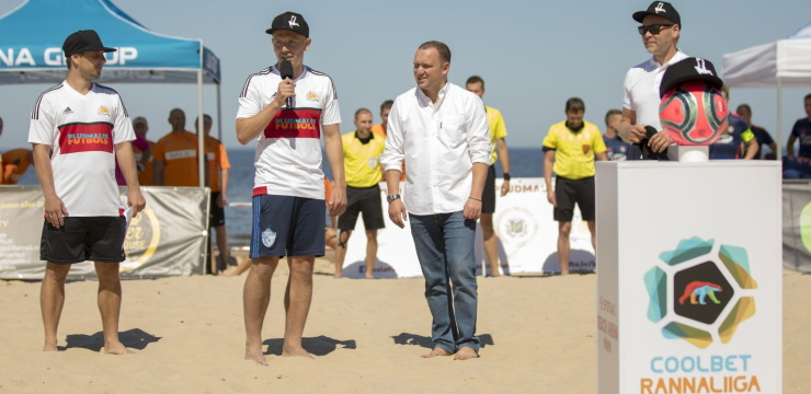 """BFS """"Ropaži"""" paceļas uz trešo vietu Latvijas-Igaunijas pludmales futbola līgā"""