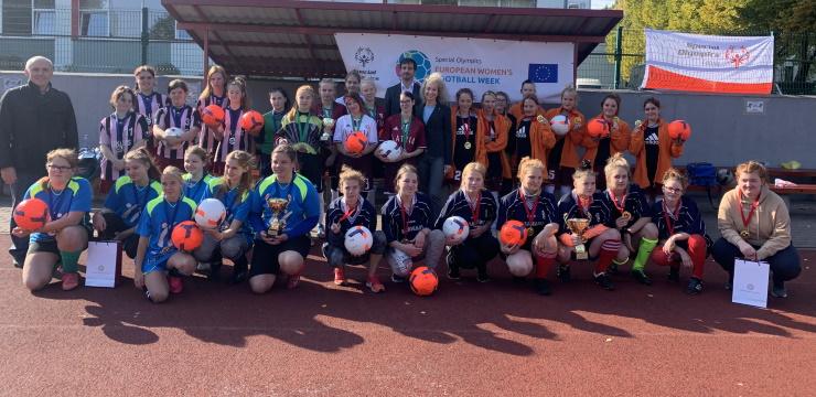 Speciālās olimpiādes meiteņu finālsacensībās piedalās piecas komandas
