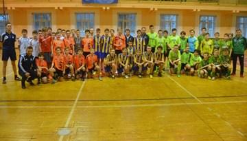 """SK """"Super Nova"""" uzvar arī Rīgas kausa futbolā telpās 2002. gadā dzimušo spēlētāju turnīrā"""