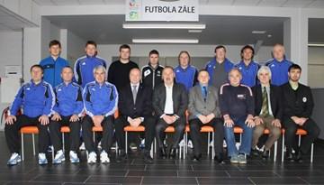 Leonīds Tkačenko un Valērijs Gazajevs pasniedz vieslekcijas UEFA-PRO sesijā Rīgā