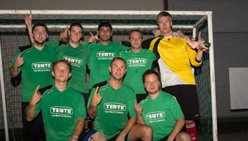 """Mārupes """"Ghetto Football 6:6"""" jūlija titulu izcīna """"Tentes"""" futbolisti"""