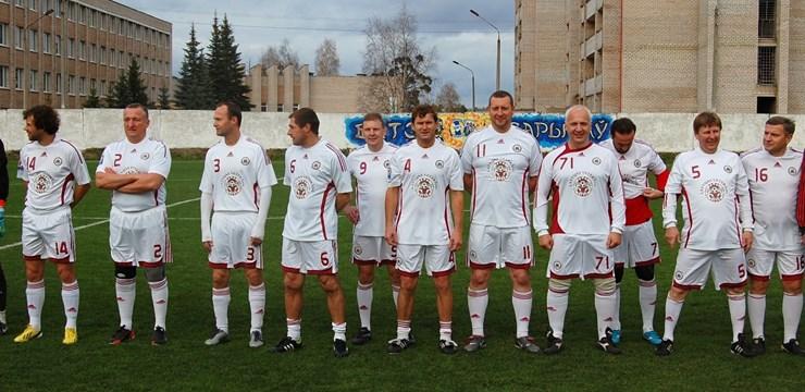 Latvijas futbola veterānu komanda draudzības spēlē pārspēj Borisovas BATE