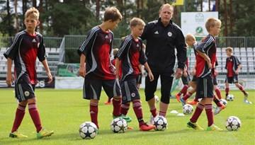 LMT Futbola akadēmijas U-13 un U-14 izlase dodas Eiropas tūrē