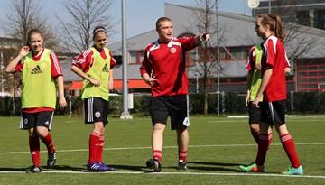 Latvijas U-17 un U-19 meiteņu futbola izlase no 26. – 30.jūnijam aizvadīs piecu dienu treniņnometni Liepājā