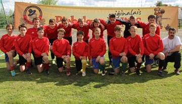 Latvijas izlases spēlētāji V. Šabala un V. Gabovs viesojās pie jaunajiem futbolistiem Gulbenē un Balvos