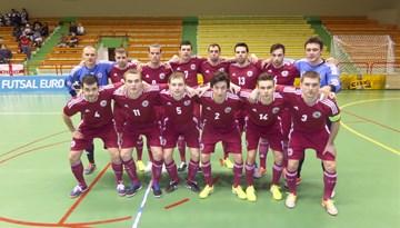 """""""EURO 2016"""" kvalifikācija: Latvijas telpu futbola izlase cīnās neizšķirti ar Angliju"""