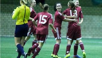 """Sieviešu futbola izlase pārbaudes spēlē pārspēj FK """"Gintra Universitetas"""""""
