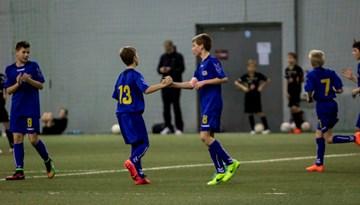 """Rīgas Futbola akadēmijas U-13 komanda ieņem 5.vietu """"Riga Cup"""" starptautiskajā turnīrā"""
