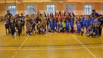 """SK """"Super Nova"""" uzvaru sērija Rīgas kausā telpu futbolā zēniem turpinās"""