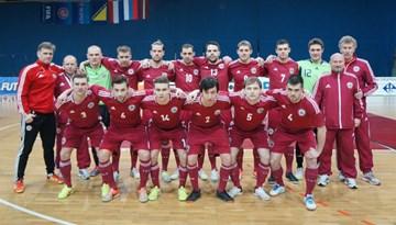 """Latvijas telpu futbola izlase ar neizšķirtu pret Nīderlandi noslēdz """"EURO 2016"""" pamatturnīru"""