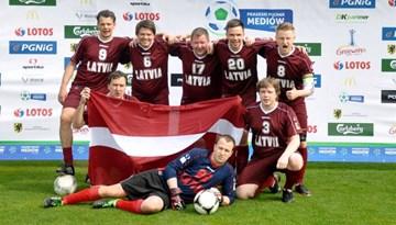 Latvijas futbola mediju komanda startēja starptautiskā turnīrā Polijā