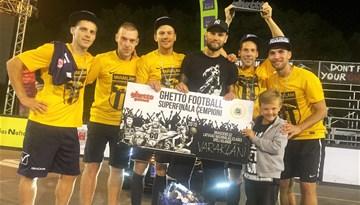 """Kopā ar Latvijas izlasi uz Islandi dosies """"Ghetto Football"""" čempioni """"Varakļāni"""" komanda"""