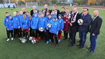 Purvciema iedzīvotājiem un Rīgas Klasiskās ģimnāzijas skolēniem jauns stadions