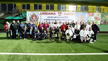 Latvijas futbola veterānu komanda triumfē starptautiskā turnīrā Viļņā