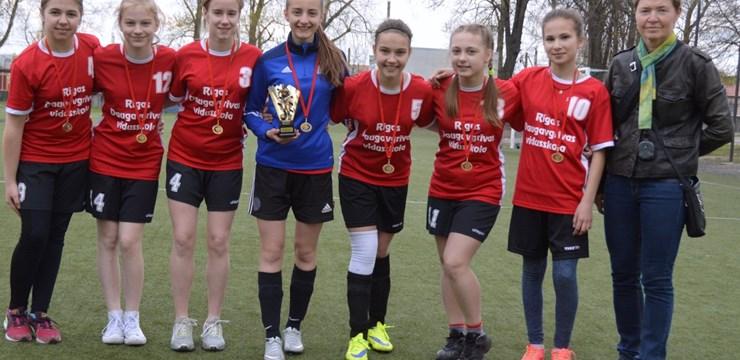 19. Rīgas skolēnu spēlēs otro gadu pēc kārtas triumfē Daugavgrīvas vidusskolas meitenes