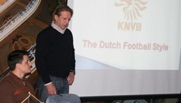 """A-UEFA treneru seminārs """"Futbola filosofijas īpatnības vadošajās Eiropas valstīs"""""""