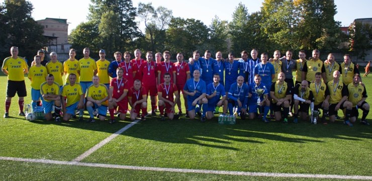 Futbola dienai veltītajā veterānu turnīrā otro gadu pēc kārtas triumfē SFS/Sportima