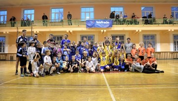 """SK """"Super Nova"""" triumfē Rīgas kausa izcīņas telpās 2006. gadā dzimušo spēlētāju turnīrā"""