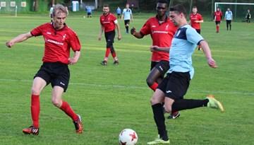 Rīgas čempionātā turpinās cīņa par sudrabu un bronzu; Cerības kausu iegūst Albatroz SC