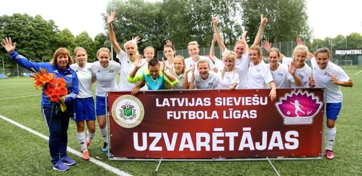 Sieviešu Futbola līgas izcilnieces sveiks sezonas noslēguma vakarā
