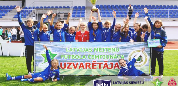 Ar Rīgas Futbola skolas uzvaru noslēdzies Latvijas meiteņu čempionāts U-12 grupā