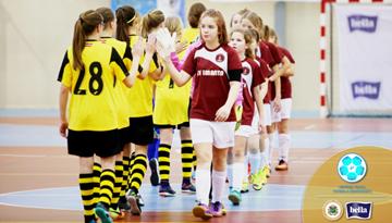 Dalībnieku rekordskaits arī jaunajā Latvijas meiteņu telpu futbola čempionāta sezonā