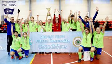 Rēzeknes BJSS U-14 komandai pirmā vieta Latvijas meiteņu telpu futbola čempionātā