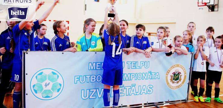 Punktu sezonai pieliek meiteņu telpu futbola čempionāta U-12 un U-10 komandas