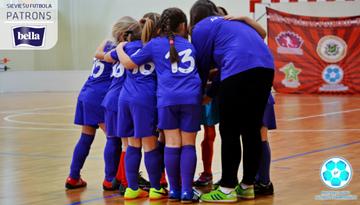 Vēl 13 komandas uzsāks Latvijas meiteņu telpu futbola čempionāta sezonu