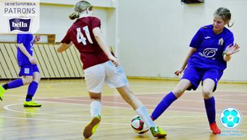 Divas komandas nevainojamas arī otrajā Latvijas meiteņu telpu futbola čempionāta U-14 grupas sabraukumā