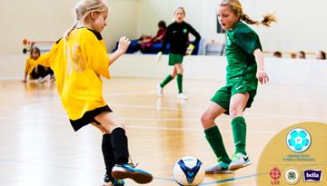 Aizvadīts Latvijas meiteņu telpu futbola čempionāta pēdējais sabraukums