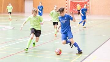 Jaunatnes telpu futbola čempionāta ceturtajā posmā uzvar Nikars jaunā paaudze
