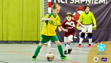 Noskaidrotas ceturtdaļfināla dalībnieces meiteņu telpu futbola čempionāta U-12 grupā