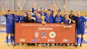 Nikars-Sportima kļūst par veterānu čempionāta uzvarētājiem telpu futbolā