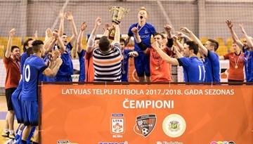 FK Nikars 11. reizi kļūst par Latvijas čempioniem