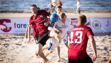 Pēc pirmā pludmales futbola čempionāta posma vadībā divas vienības