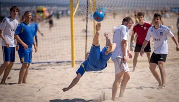 Pirmajā Jūrmalas kausa posmā uzvar Kreiss pludmales futbolisti