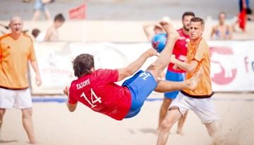 Noskaidroti Jūrmalas kausa pludmales futbolā finālposma dalībnieki