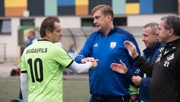 Reiņa Zālīša piemiņas turnīrs: Daugavpils veterāniem sestā uzvara pēc kārtas